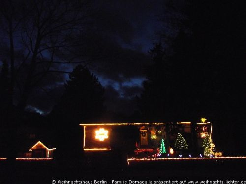 weihnachtshaus-berlin-domagalla-2011-1001
